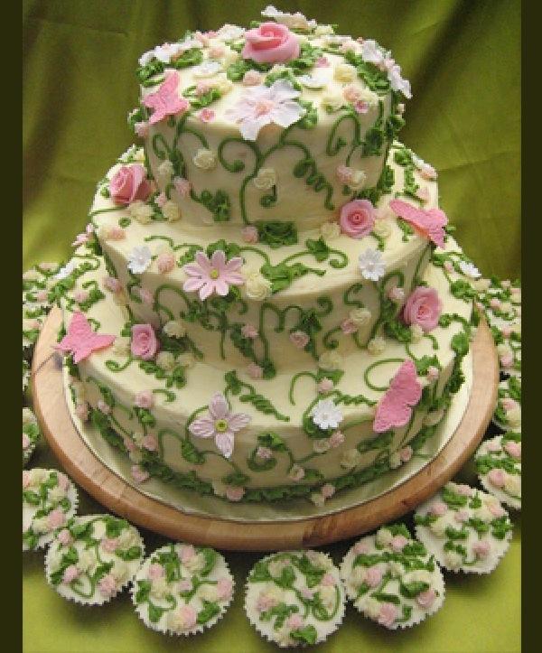 green leaf wedding cake
