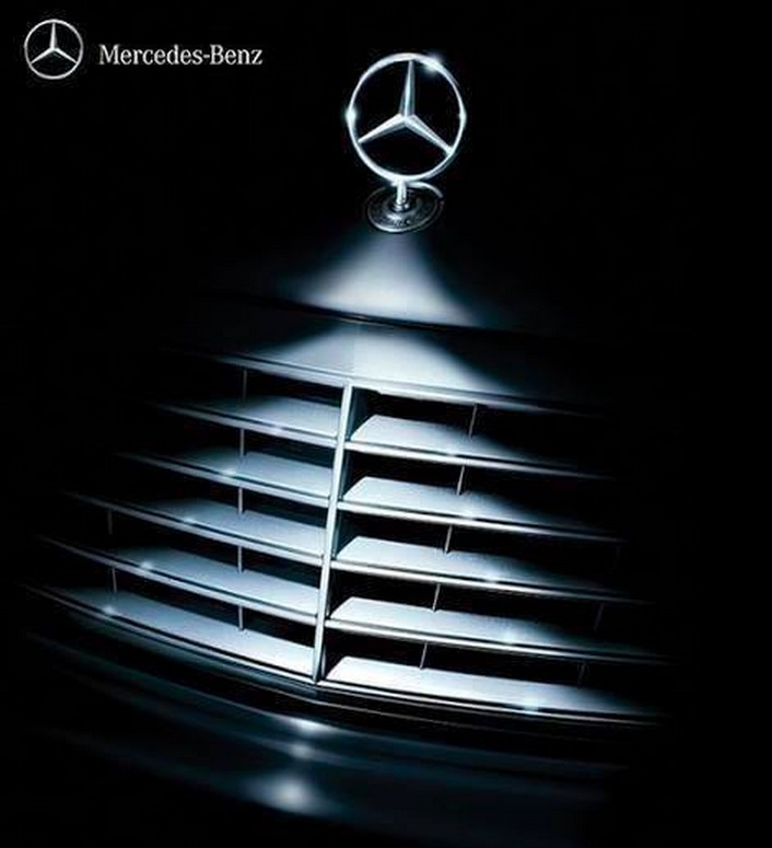 Mercedes-Benz Christmas advertisement