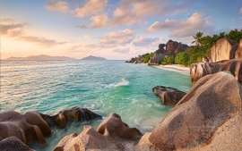 LA DIGUE BEACH SEYCHELLES